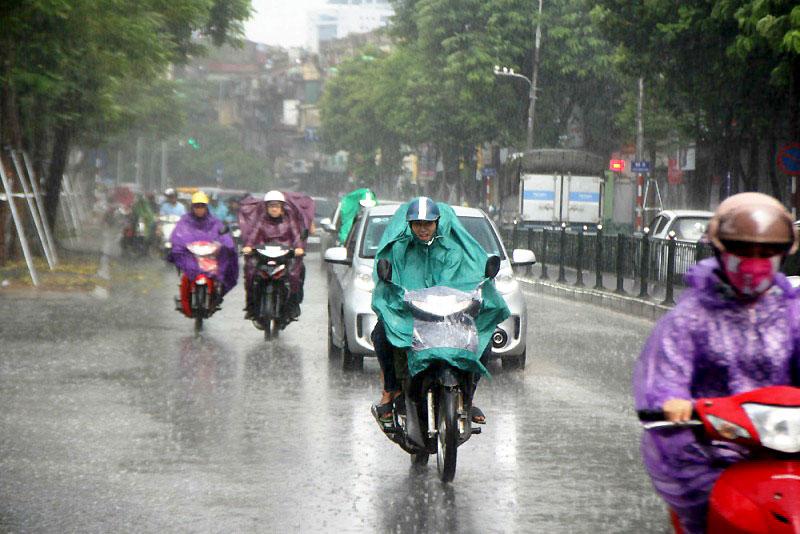 Cả nước có mưa dông diện rộng - Báo Nhân Dân