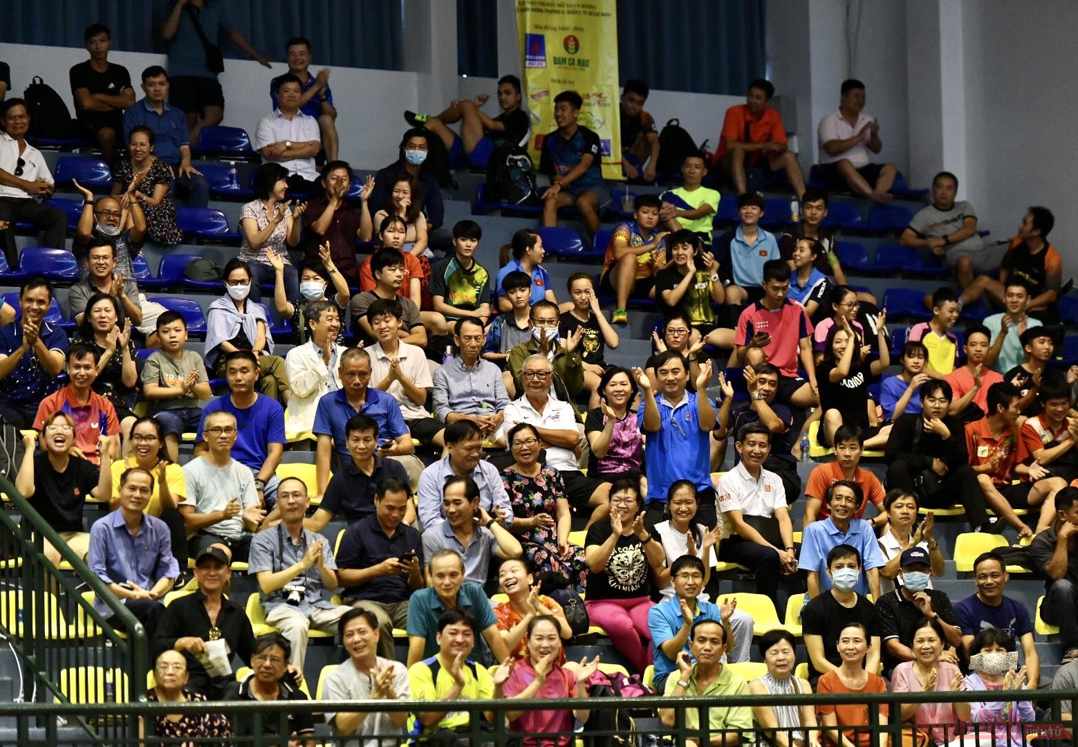 TP Hồ Chí Minh giành chức vô địch đầu tiên -2