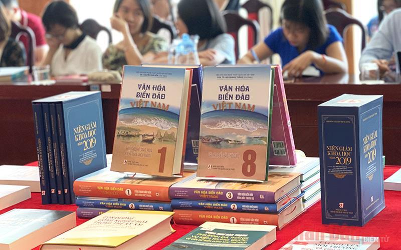 Điểm qua một số ấn phẩm tiêu biểu về chủ đề văn hóa, biển đảo mới phát hành -0