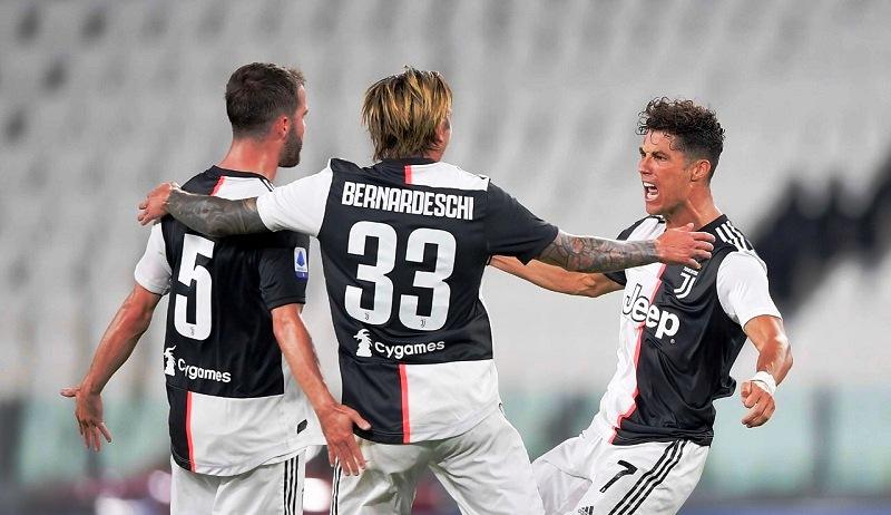 """Ronaldo """"nổ súng"""" giúp Juventus vô địch Serie A sớm 2 vòng đấu -0"""