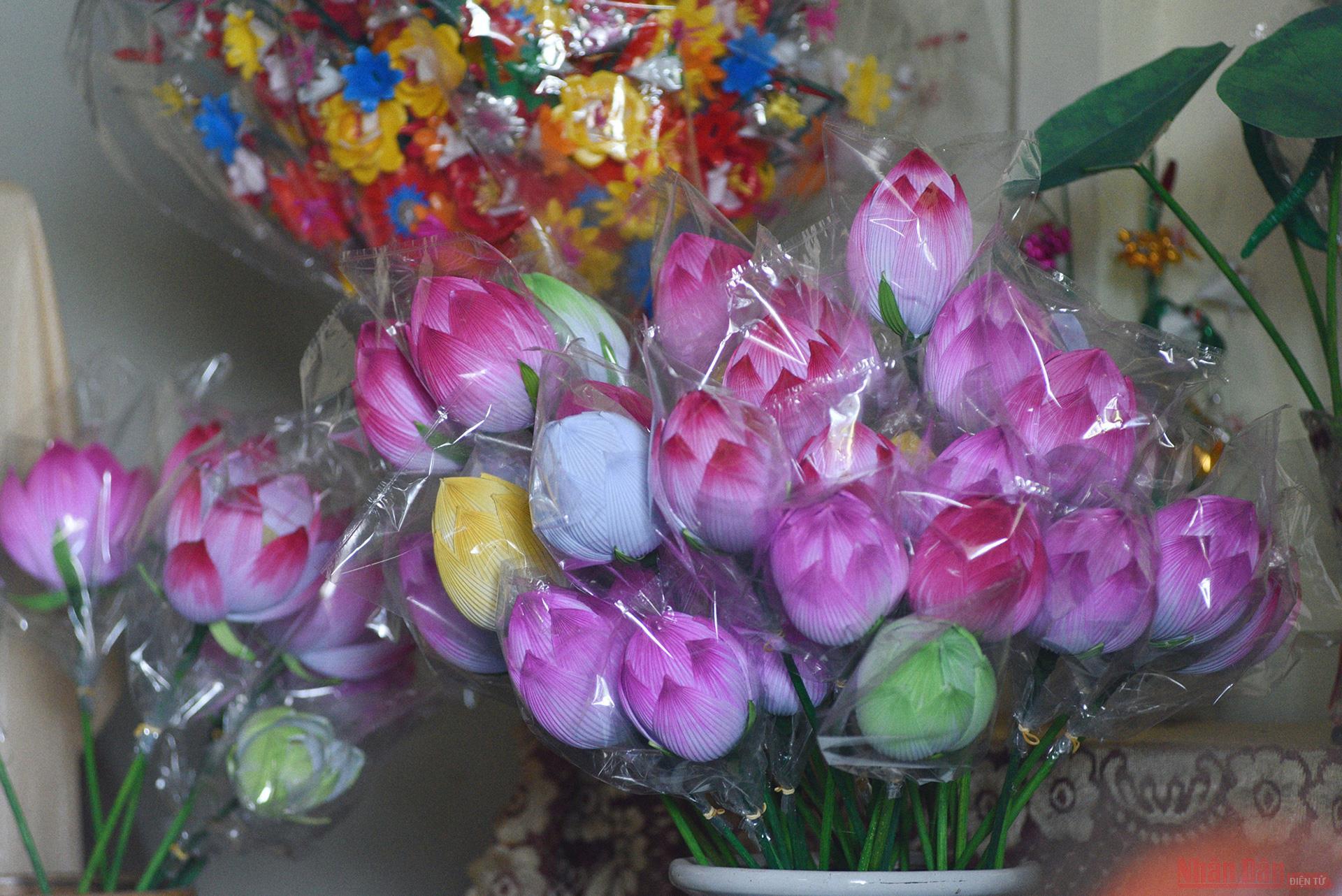 Làng nghề hoa giấy Thanh Tiên -0