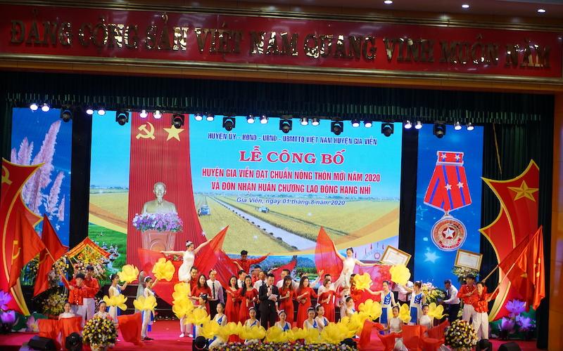 Gia Viễn đạt chuẩn nông thông mới và vinh dự đón nhận Huân chương  Lao động hạng Nhì -0