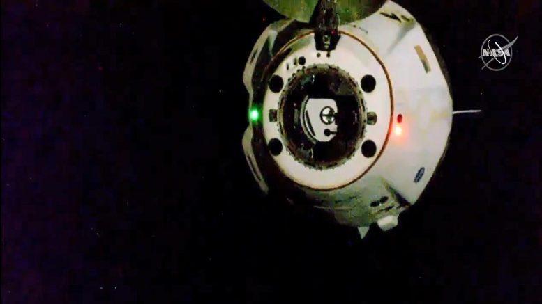 Hai phi hành gia ISS trở về trái đất trên tàu SpaceX -0