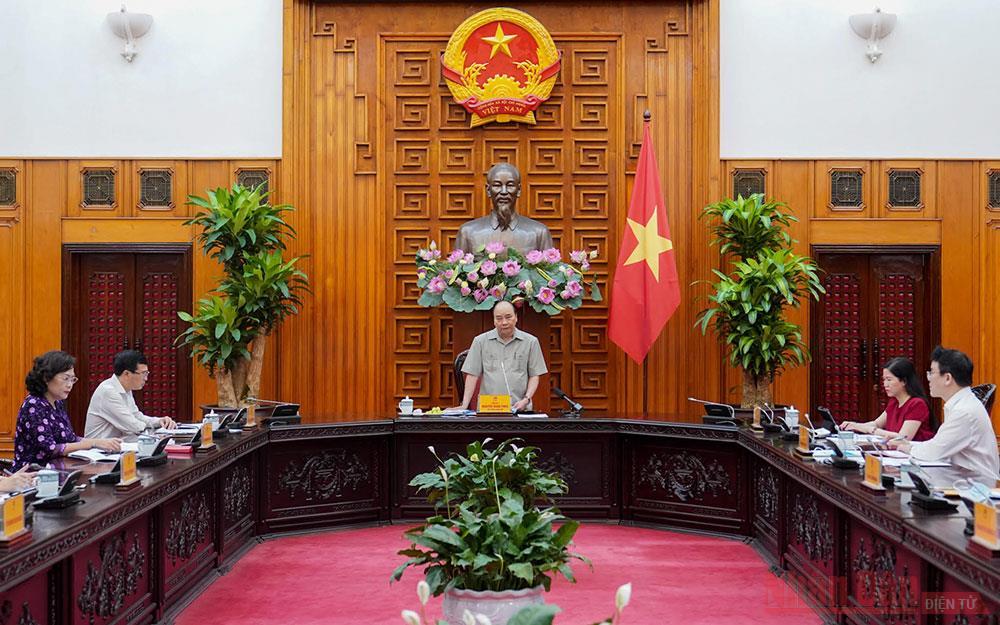 Thủ tướng Nguyễn Xuân Phúc chủ trì họp về số liệu thống kê và tình hình kinh tế-xã hội -0