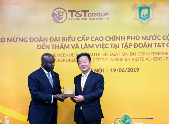 T&T Group tiếp tục lập kỷ lục thu mua điều lớn nhất thế giới -0