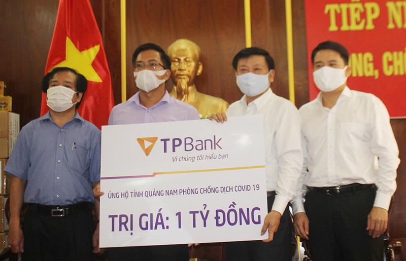 Ủng hộ 8,3 tỷ đồng giúp Quảng Nam phòng, chống dịch Covid-19 -0