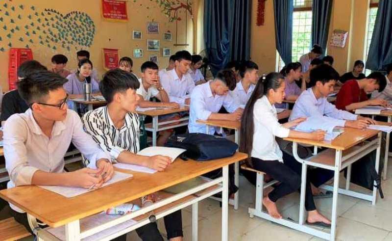 Lào Cai hỗ trợ 400 học sinh hoàn cảnh khó khăn thi tốt nghiệp THPT -0
