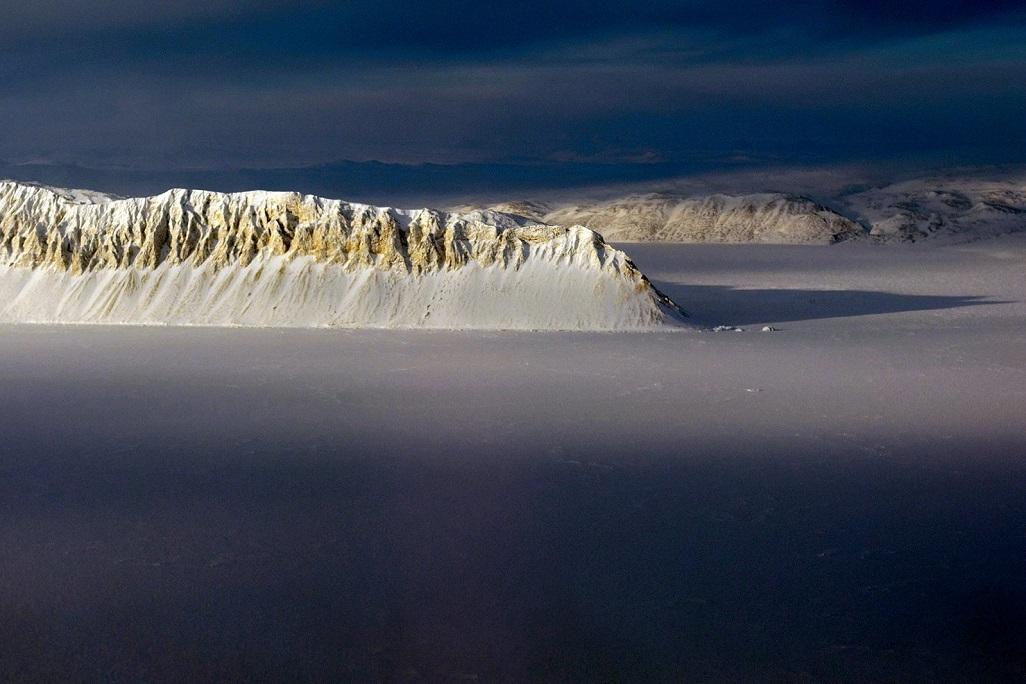 Thềm băng Bắc Cực nguyên vẹn cuối cùng của Canada sụp đổ -0