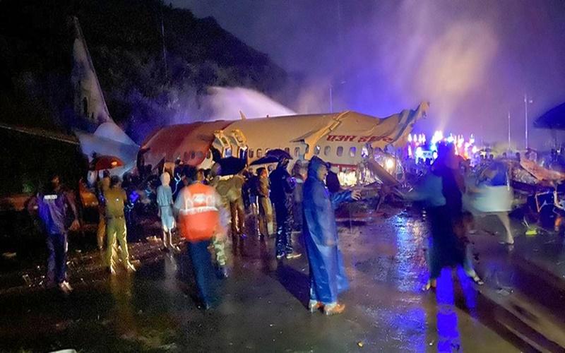 Ít nhất 16 người chết trong vụ tai nạn máy bay hồi hương công dân Ấn Độ -0