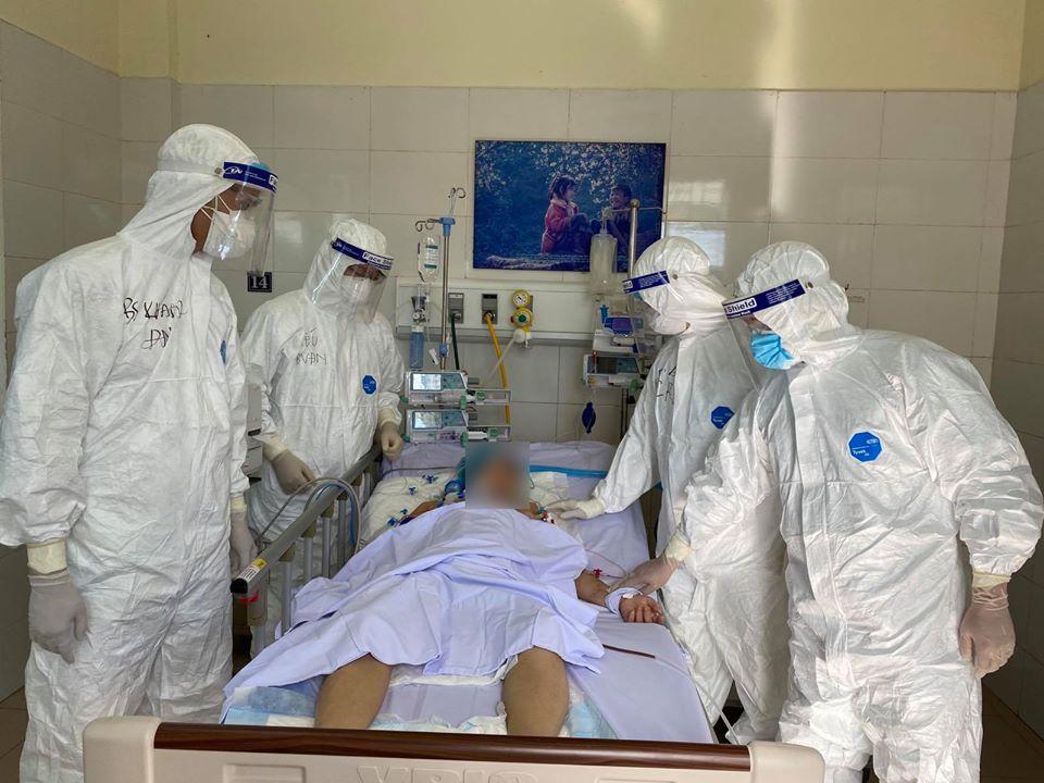 Thứ trưởng Nguyễn Trường Sơn: Đã có sáu lần thay đổi phác đồ điều trị Covid-19 -0