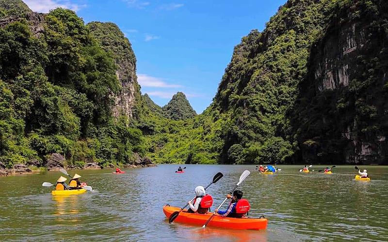 Chèo thuyền kayak ngắm cảnh Tràng An -0
