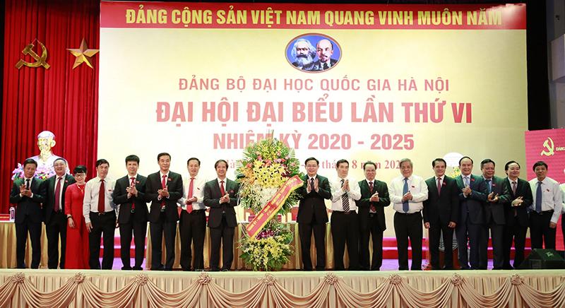 Xây dựng Đại học Quốc gia Hà Nội phát triển ngang tầm khu vực và quốc tế -0