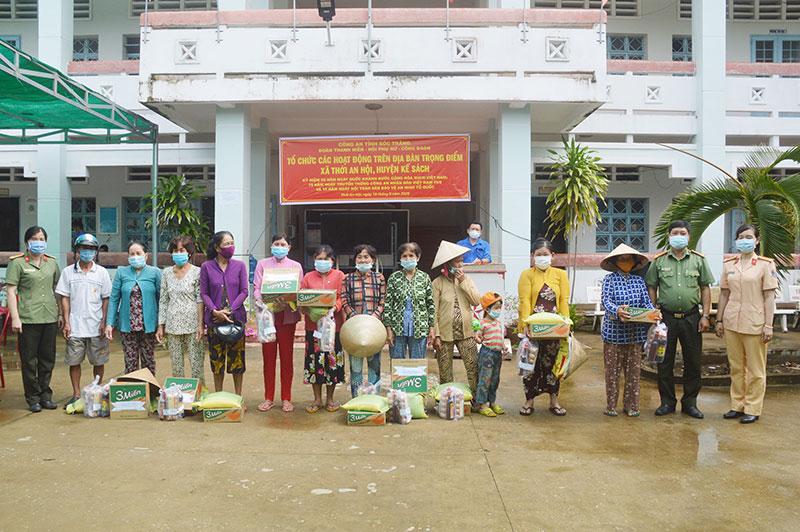 Công an Sóc Trăng tổ chức nhiều hoạt động chăm lo người nghèo -0