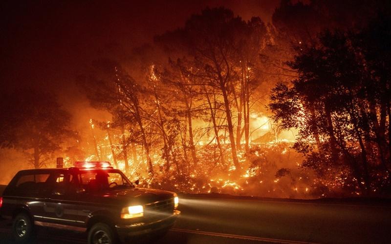 """California trong vòng vây của """"giặc lửa"""" -6"""
