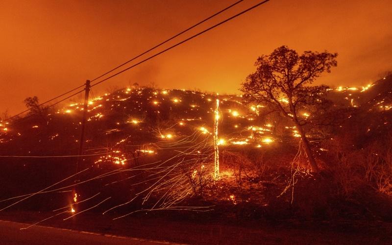 """California trong vòng vây của """"giặc lửa"""" -5"""