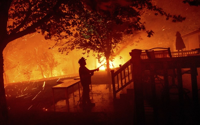 """California trong vòng vây của """"giặc lửa"""" -4"""