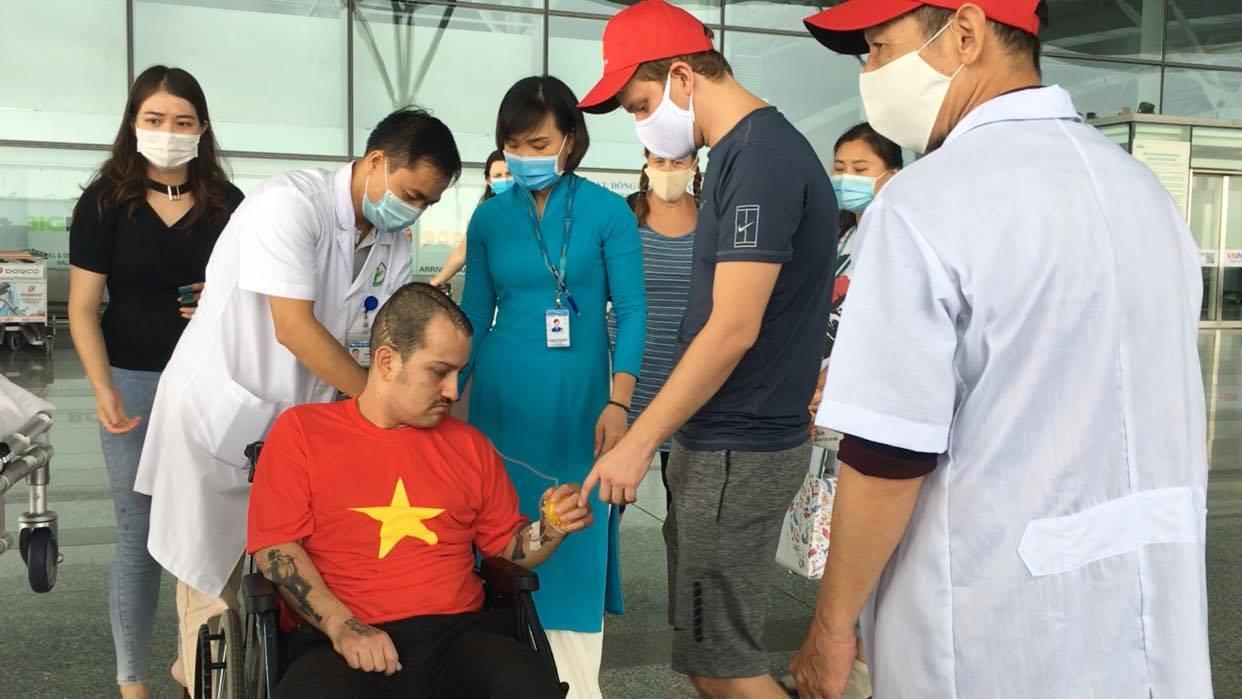 Hồi sinh kỳ diệu cho người nước ngoài mắc kẹt tại Việt Nam -0