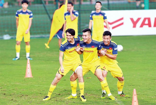 Tiếp tục thách thức cho bóng đá Việt -0