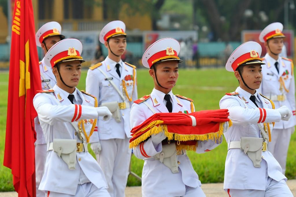 Thiêng liêng nghi lễ thượng cờ tại Quảng trường Ba Đình -0