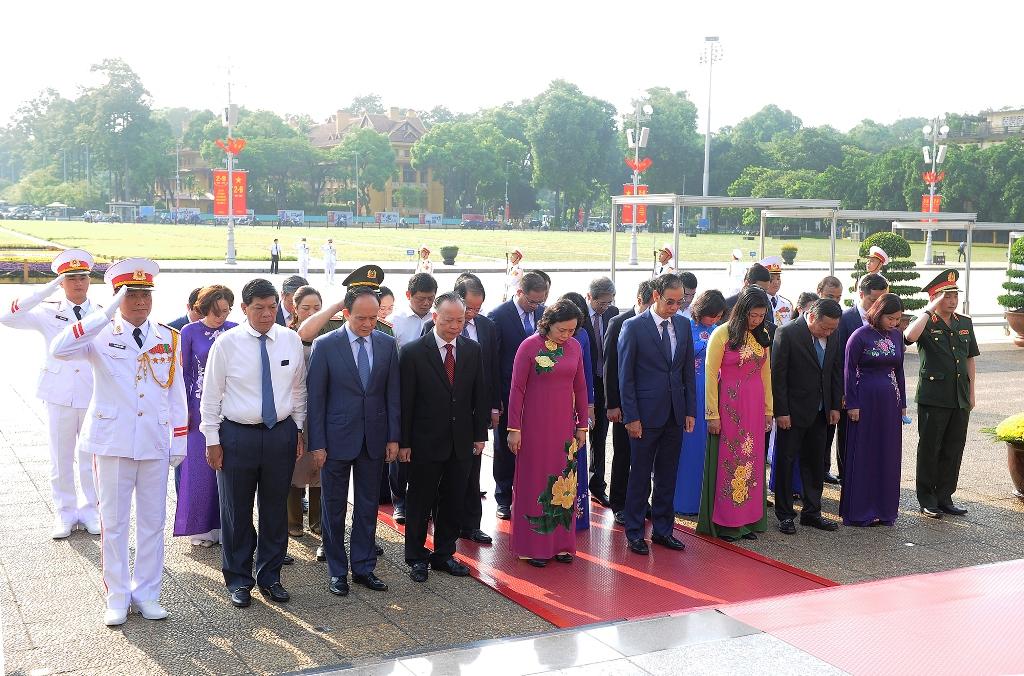 Lãnh đạo Đảng, Nhà nước vào Lăng viếng Chủ tịch Hồ Chí Minh -0