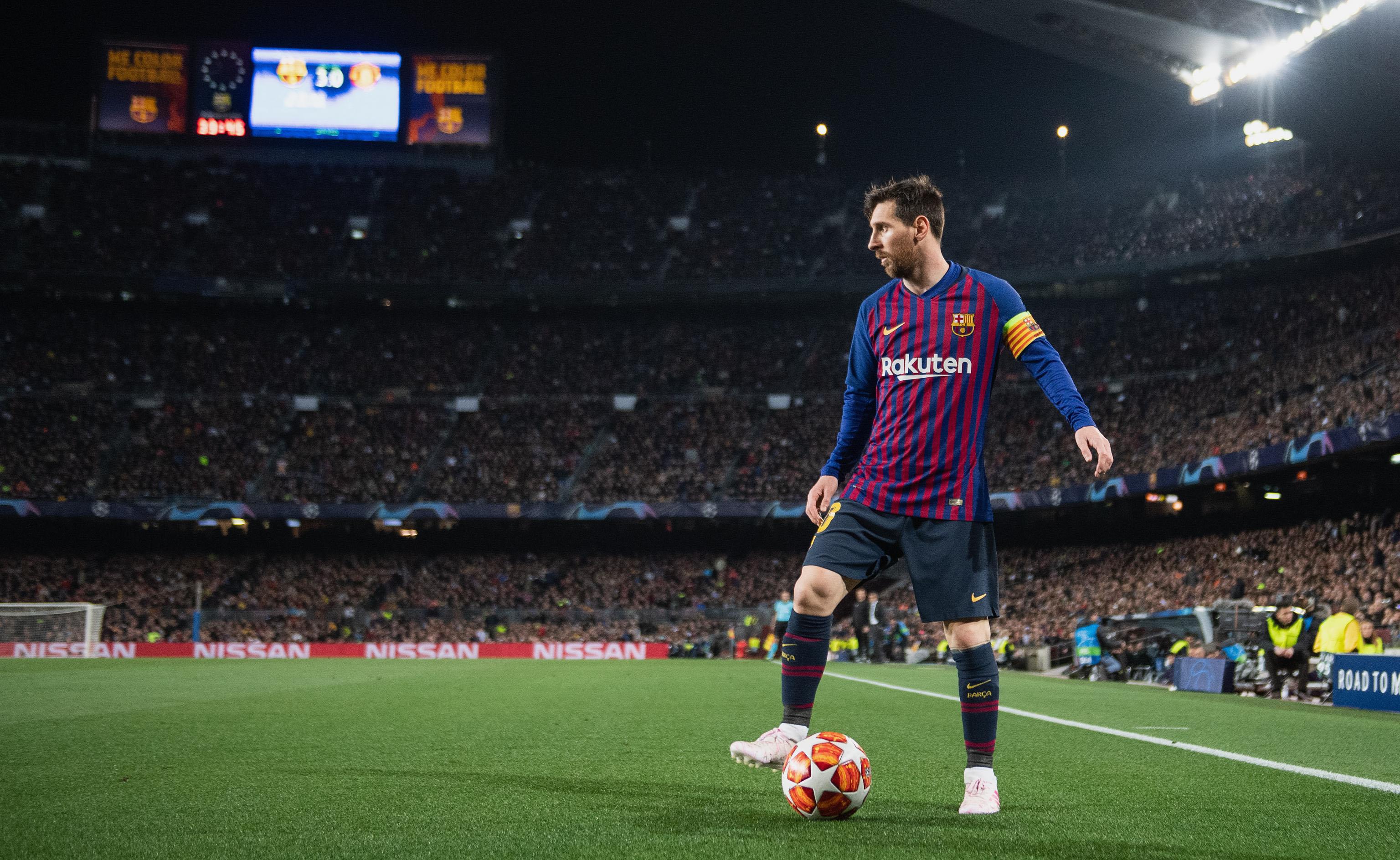 Messi chính thức ở lại Barca -0