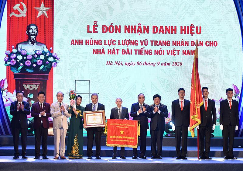 Thủ tướng Nguyễn Xuân Phúc dự Lễ kỷ niệm 75 năm thành lập Đài Tiếng nói Việt Nam -0