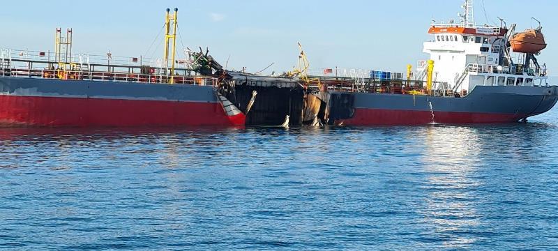 Cháy tàu chở dầu, một thuyền viên mất tích -0