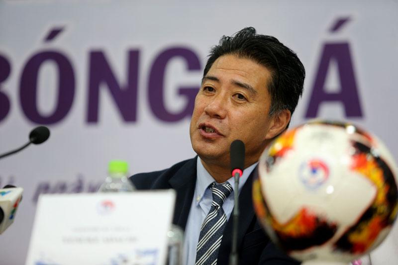 LĐBĐVN chính thức ra mắt tân GĐKT Yusuke Adachi -0