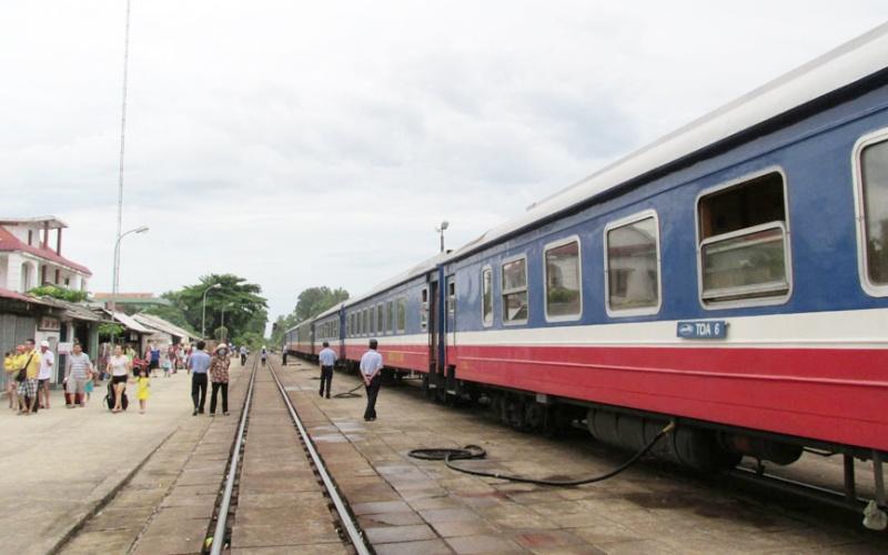 Đường sắt chạy lại tàu du lịch Hà Nội - Lào Cai -0