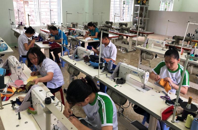 Trung tâm Nuôi dạy trẻ khuyết tật Võ Hồng Sơn khai giảng năm học mới -0