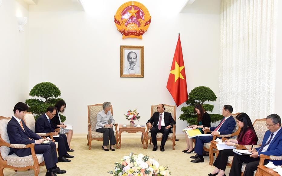 Thủ tướng Nguyễn Xuân Phúc tiếp Bộ trưởng Ngoại giao Hàn Quốc và Giám đốc quốc gia ADB tại Việt Nam -0