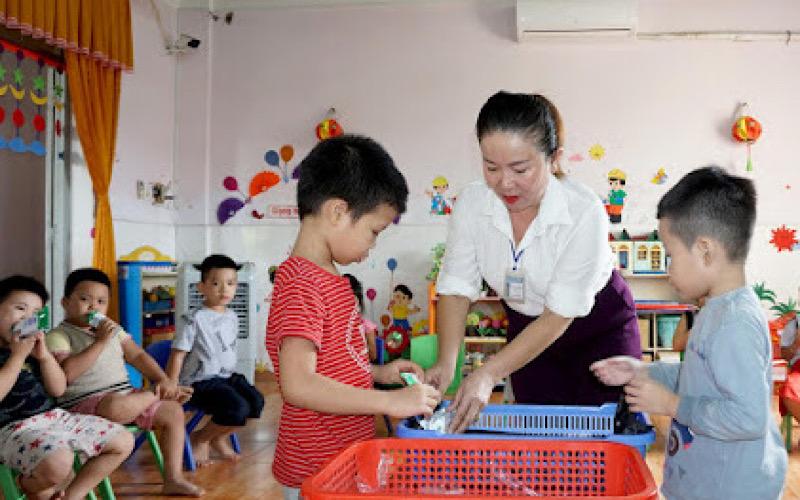 Bình Định tích cực với các công tác triển khai sữa học đường trong năm học mới -0