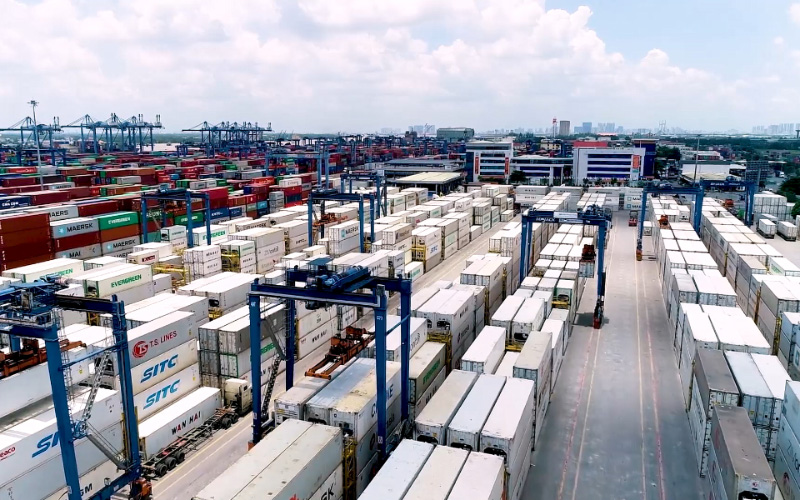 Giải quyết thủ tục cho gần 700 container quá cảnh tồn đọng tại cảng Cát Lái -0