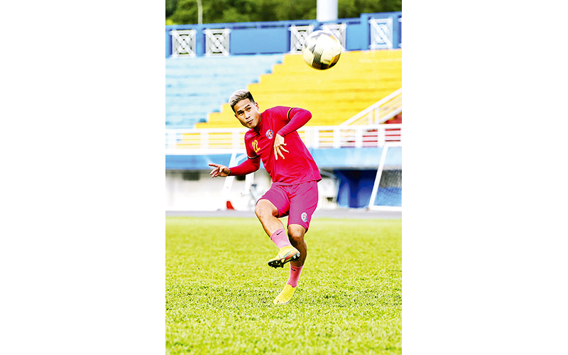Gã trai ngông của bóng đá Việt -0