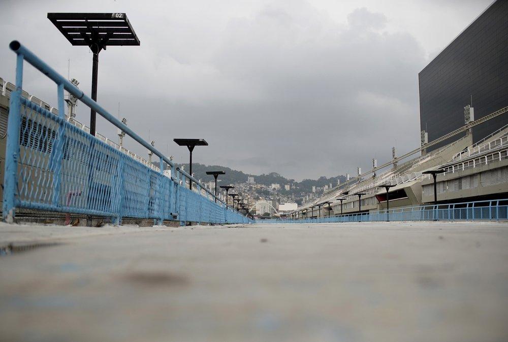 Lần đầu trong hơn một thế kỷ, Lễ hội hóa trang Rio bị hoãn vô thời hạn  -0