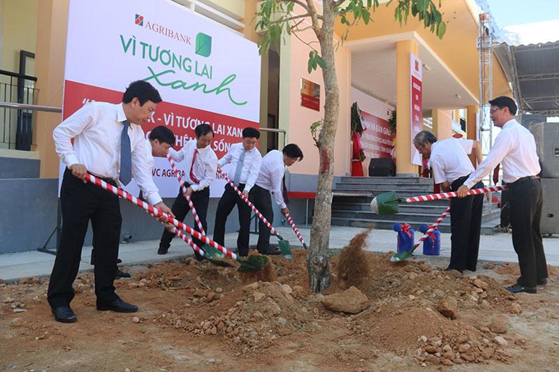 Khánh thành và đưa công trình Trường THCS Nguyễn Đức An vào sử dụng -0
