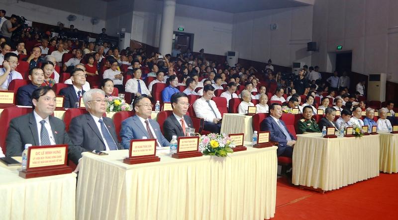 Kỷ niệm 255 năm Ngày sinh, tưởng niệm 200 năm Ngày mất Đại thi hào dân tộc Nguyễn Du -0
