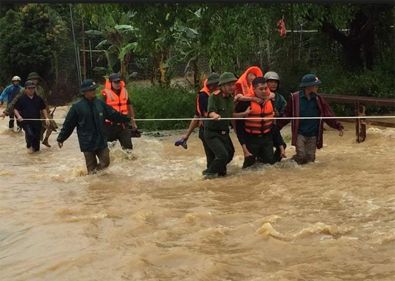 Mưa lũ khiến hai người chết, nhiều người bị thương ở Phú Thọ -0