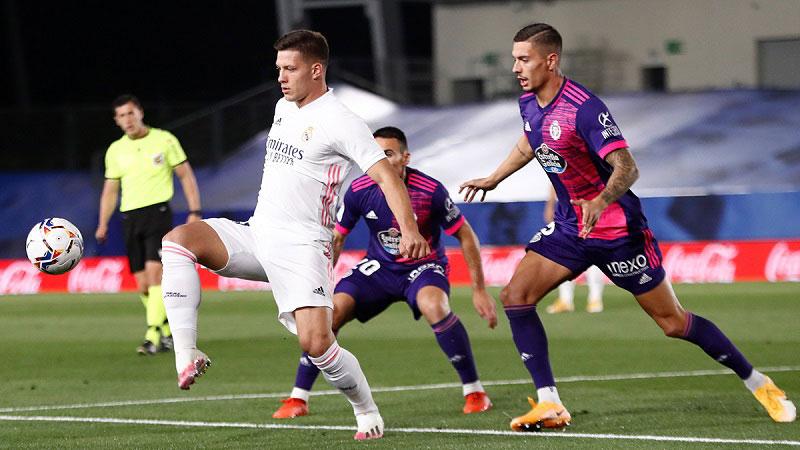 Vinicius giải cứu Real, Atletico hòa chật vật -0