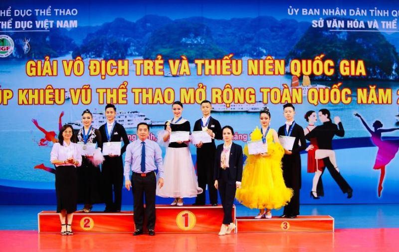 Quảng Ninh nhất toàn đoàn giải cúp khiêu vũ mở rộng toàn quốc -0