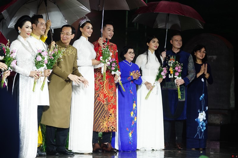 Đặc sắc Lễ khai mạc Lễ hội Áo dài TP Hồ Chí Minh lần thứ 7 -0