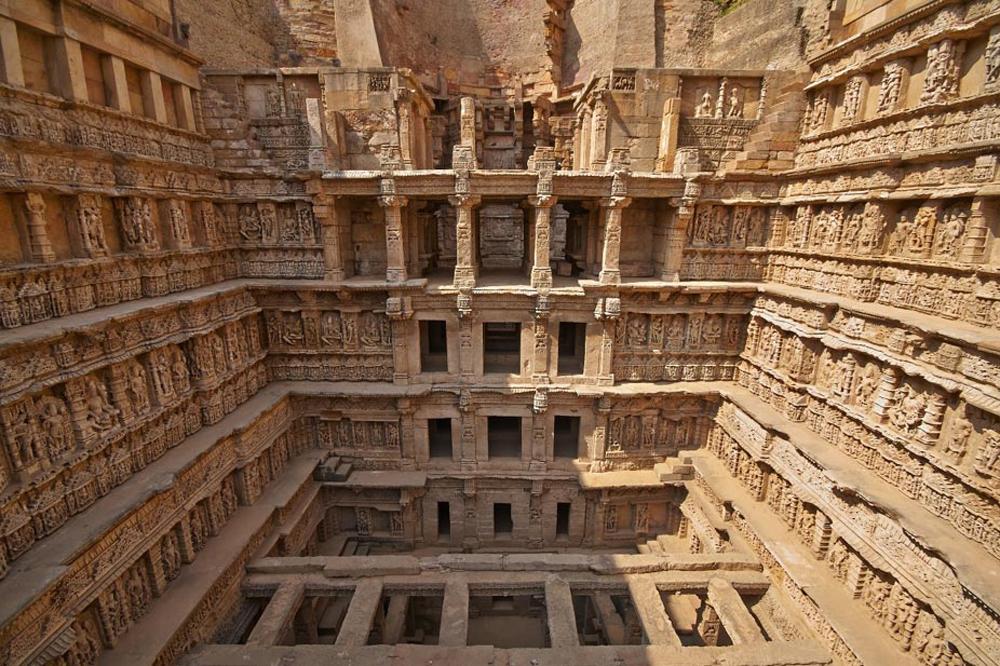 Độc đáo giếng bậc thang ở Ấn Độ -0
