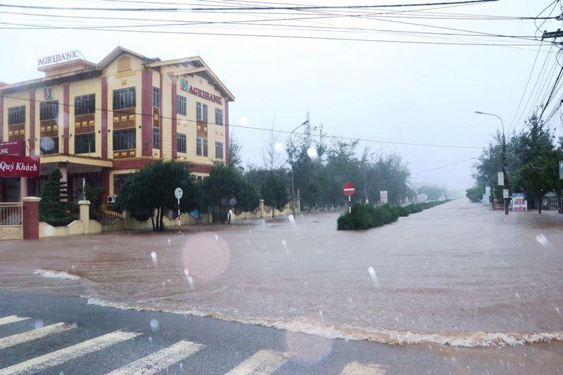 Nam Định sạt lở hai đoạn đê biển do ảnh hưởng bão số 7 -0