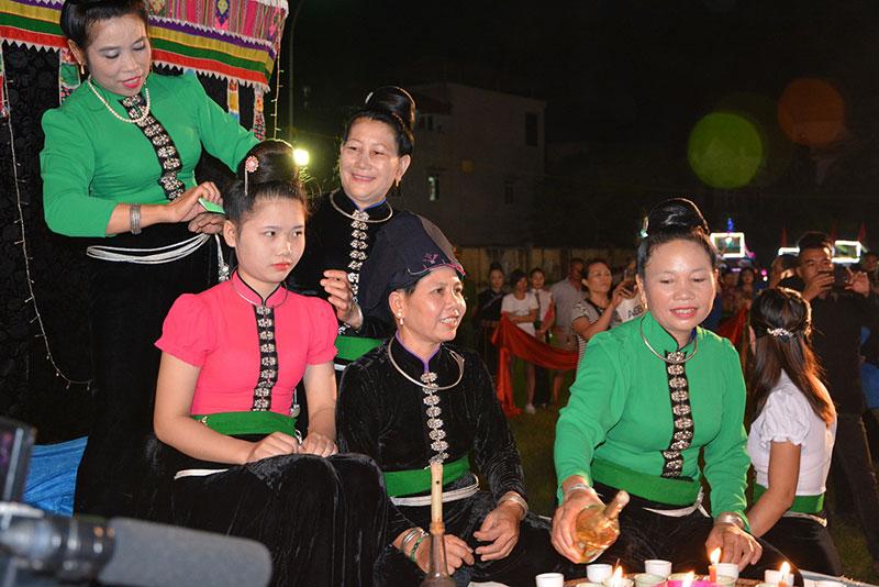 Yên Bái tổ chức màn đại xòe Thái với 2.020 nghệ nhân tham gia -0