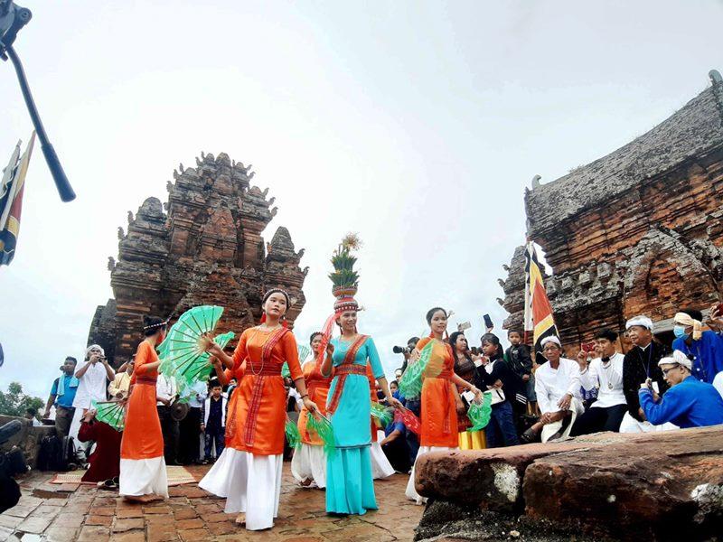 Đồng bào Chăm Ninh Thuận đón Lễ hội Katê 2020 -0