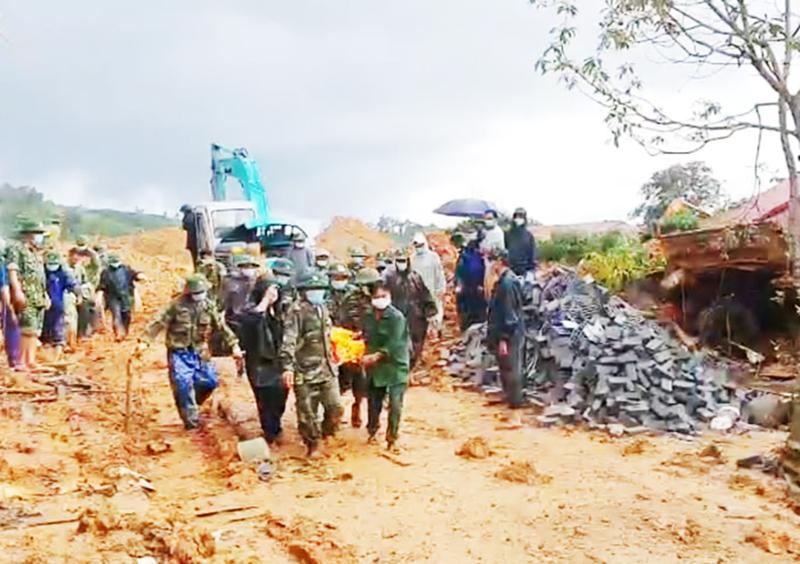 Cứu nạn tại Quảng Trị: Tìm thấy 11 thi thể, đất đá tiếp tục sạt lở, cứu hộ gặp khó khăn -0