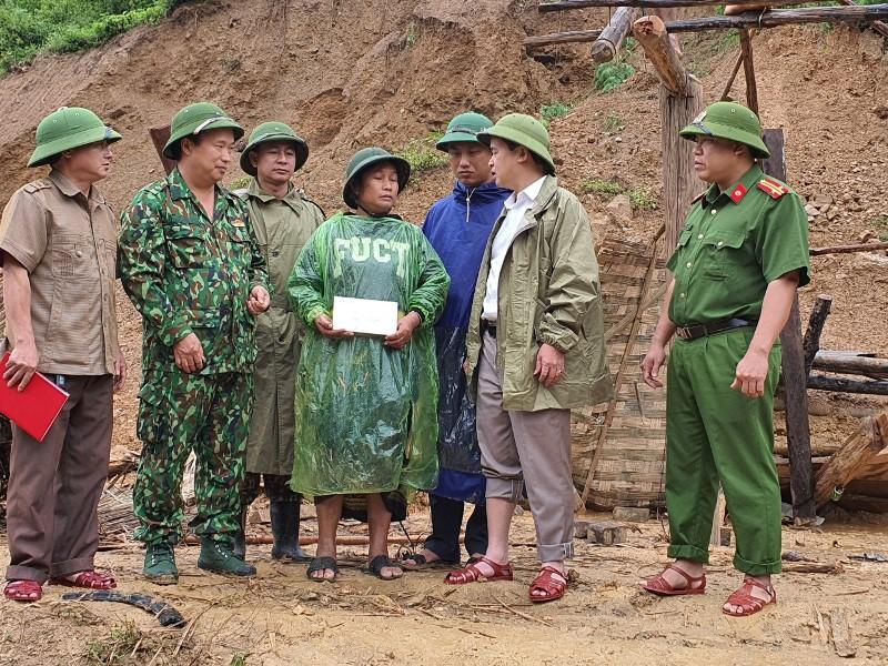 Huyện Kỳ Sơn di dời khẩn cấp 268 hộ dân vùng nguy cơ sạt lở đất -1