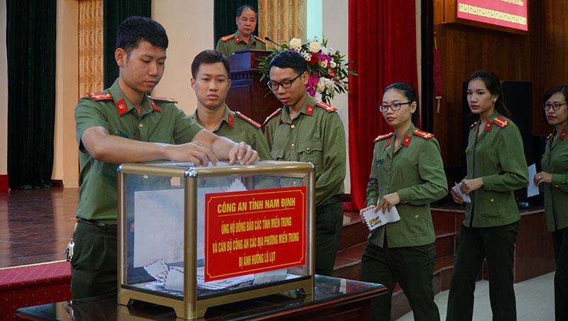 Công an tỉnh Nam Định phát động ủng hộ đồng bào miền trung -0