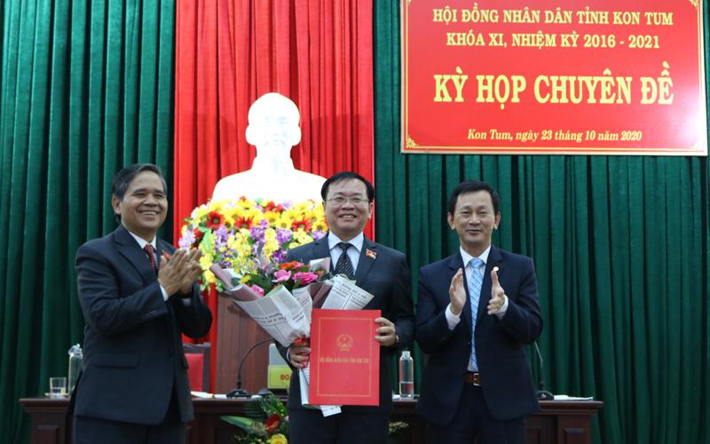 Đồng chí Lê Ngọc Tuấn được bầu giữ chức Chủ tịch UBND tỉnh Kon Tum -0
