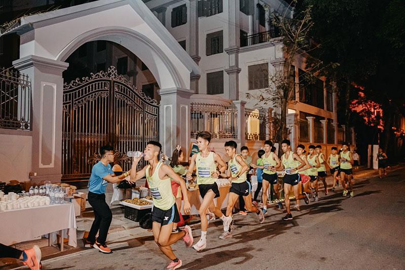 Ấn tượng đường đua VPBank Hanoi Marathon ASEAN 2020 -0